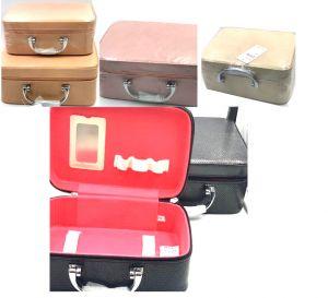 حقيبة نسائية فارغة لحمل اغراض المكياج والتجميل