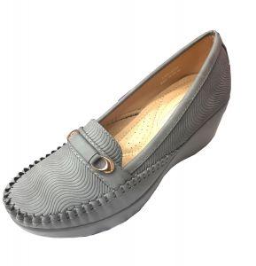 حذاء نسائي فلات فرو بلون رصاصي
